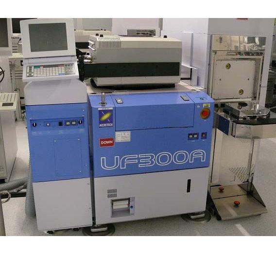 Der UF300A von ACCRETECH wird für Wafer-Tests verwendet. Er wiegt