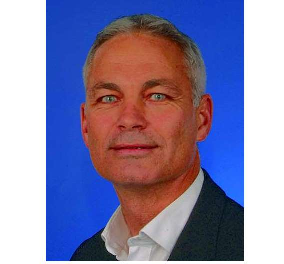 Simon Gray leitet Marketing und Sales.