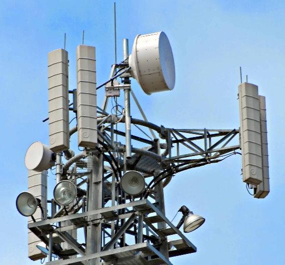 Auch der Mobilfunk-Sendemast kommt nicht ohne GaAs-Bausteine aus: Mobilfunkantennen arbeiten mit Verstärkern aus Galliumarsenid.