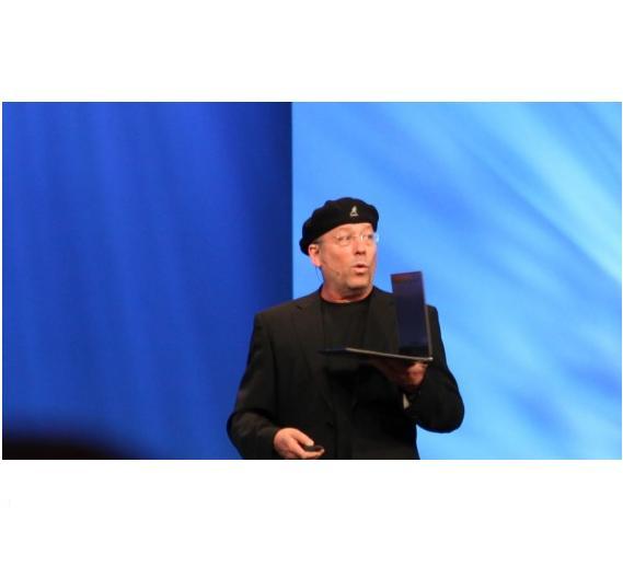 Vor allen Dingen das geringe Gewicht und das dünne Gehäuse der Ultrabooks erinnern an Apples MacBook Air.