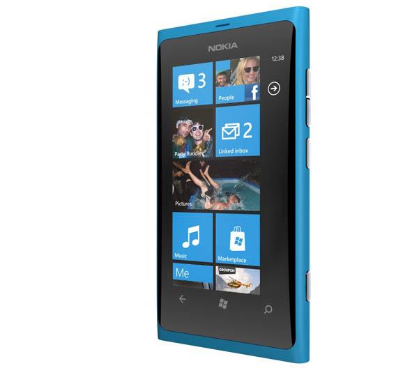 Mit neuen Smartphones wie dem Lumia 800, die mit dem Betriebssystem Windows Phoe 7.5 laufen, könnte Nokia wieder Marktanteile gewinnen.
