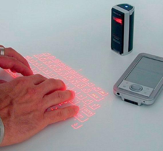 Die Laser-Tastatur Laserkey CL800BT konnte die klassische Tastatur nicht überflüssig machen, sie könnte aber theoretisch aber Bedieneingaben - beispielsweise auf Smartphones - angenehmer gestalten.