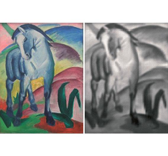 Bild 3. Die Zielverteilung Blaues Pferd von Franz Marc (links) kann mit einer einzigen maßgeschneiderten Freiform-Optik erzeugt werden. Rechts: Simulation der resultierenden Lichtverteilung, erzeugt durch eine Freiformlinse vor einer LED.