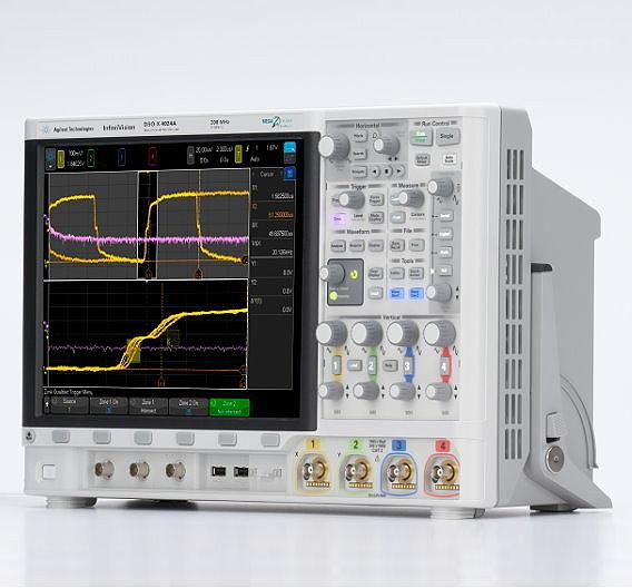 Die InfiniiVision 4000 X-Serie von Agilent ist das weltweit erste Oszilloskop mit kapazitivem Touchscreen und »Touch-Trigger«-Bedieungn. Wie das Arbeiten damit aussieht, hat Agilent auf der electronica 2012 demonstriert: