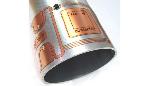 Auch auf einem Alu-Rohr lässt sich contacfoil-LED anbringen