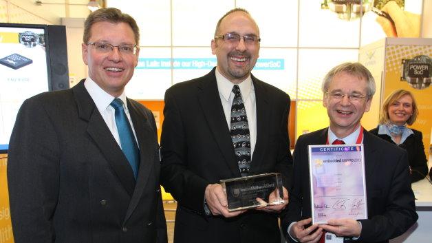Enpirion siegte in der Kategorie Hardware: (v.l.n.r.) Dr. Roland Fleck, Geschäftsführer NürnbergMesse, Mark Cieri, Vice President Sales and Coporate Marketing bei Enpirion, und Professor Dr.-Ing. Matthias Sturm.