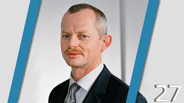 Peter Bauer, der Ex-Vorstandschef von Infineon konnte in seinen neun Monaten im Amt immerhin 2,9 Millionen Euro einstreichen. Der 51-Jährige trat zum 1. Oktober 2012 aus gesundheitlichen Gründen zurück. Der »Infineon-Retter« leidet an der Knochenerkrankung Osteoporose. Er wurde vom zweitwichtigsten Mann des Halbleiterherstellers, Reinhard Ploss, ersetzt.