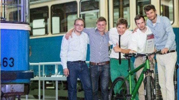 Auf Platz zwei wurde das Gründerteam FAZUA Evation aus der Hochschule München prämiert. Die Ingenieure entwickeln innovative Plug & Play Antriebssysteme für E-Bikes – Anwender können ihr Fahrrad damit wahlweise auch als E-Bike nutzen.