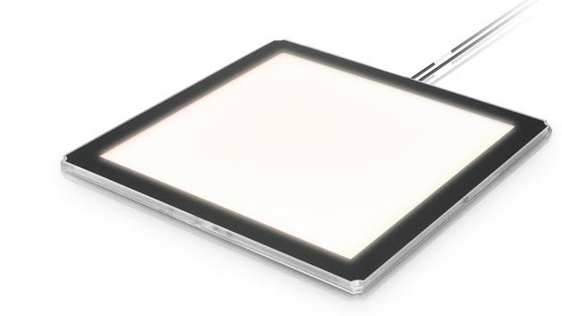 Das OLED Modul GL 350. Das Licht dieser Module ist flächig und blendfrei. Derzeit kommt es auf eine Effizienz von 45 lm/W und eine Lebensdauer von 30.000 Stunden und eine Helligkeit von 200 Lumen. Im Frühjahr sollen deutlich verbesserte Module vorgestellt werden.
