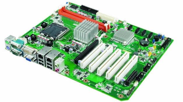 Bekannt aus der klassischen IT sind ATX-Motherboards ein gängiger Formfaktor. Im Unterschied zu den Baugruppen der Consumer-IT sind die Embedded-Boards langfristig verfügbar.