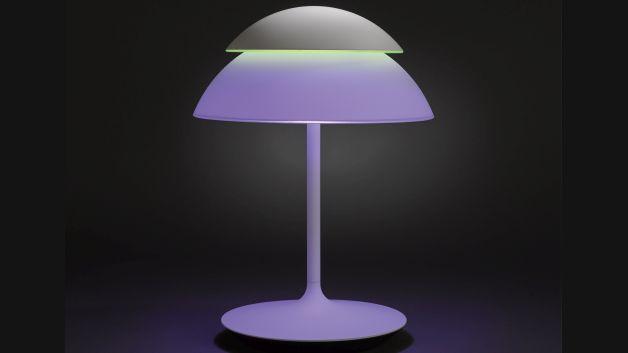 Die Philips hue Beyond als Tischleuchte