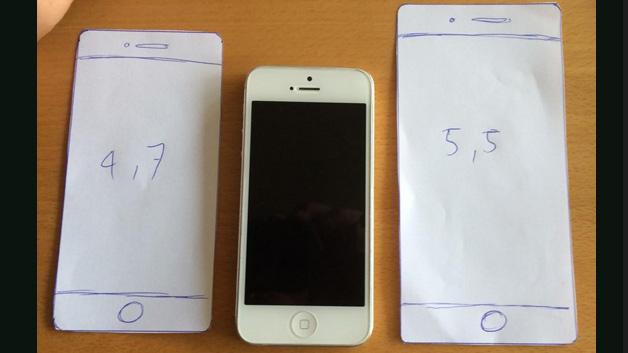 Viele Nutzer behalfen sich, indem sie sich Papier-Versionen des iPhone 6 bastelten.