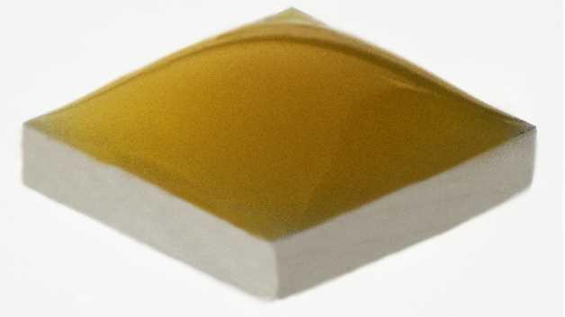 Cree setzt bei Mid-Power-LEDs wie den Mitgliedern XLamp-XH-G- und XH-B-Reihe im Gegensatz zu Mitbewerbern Keramiksubstrate ein.