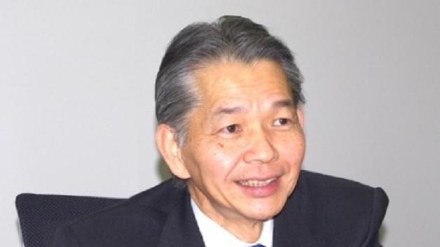 """Haruki Okada (Fujitsu Semiconductor): Wie soll man unter diesen Rahmenbedingungen den Absturz (2013 von Platz 16 auf 21 der Halbleiterhersteller) verhindern? 17 Executives reden mit, warum lernt man bei Fujitsu's Anteilseignern bloß nicht von Renesas (""""viele Köche verderben den Brei"""")? Okada kann letztendlich immer nur den besten Kompromiß suchen – als Politiker würde er sicher auch eine gute Figur machen."""