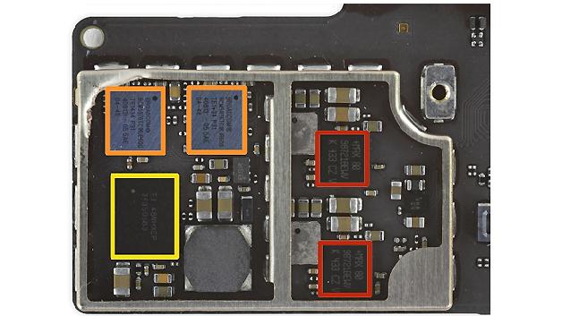 Auf einem weiteren Board: Maxim MAX98721BEWV Verstärker (rot), Broadcom BCM5976 Touchscreen-Controller (orange), Texas Instruments TI48WHXDP 343S0583 Touch-Transmitter (gelb).