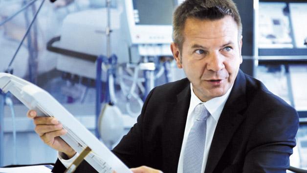 Roland Maurer, Schurter: »Bei industrietauglichen Touch-Bediensystemen geht der Trend zu geschlossenen Glasoberflächen in kundenspezifischem Design mit integrierten projiziert-kapazitiven Touch-Sensoren.«