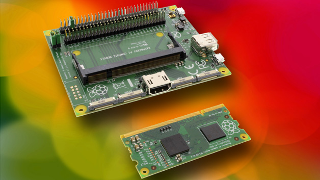 Das Raspberry Pi Compute Modul wurde speziell für Entwickler geschaffen, die Embedded Systeme für den professionellen Markt kreieren, passt in einen Sockel des Standards DDR2 SODIMM und verfügt mit Broadcom BCM2835-Prozessor und 512 Mbyte RAM über die gleichen Basisfunktionen wie der serienmäßige Raspberry Pi. Die SD-Karte wurde durch ein eMMC Flash Device mit 4 Gbyte ersetzt, und der gesamte Aufbau findet auf einer Platine von nur 67,6 x 30 mm Platz.