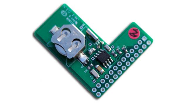 SHIM RTC (von PiFace) erweitert den Raspberry Pi um eine Echtzeituhr. Die Platine wird auf den Raspberry Pi gesteckt, dadurch wird der GPIO-Anschluss dabei nicht belegt. Dieses Tool gibt es nur bei Farnell element 14 zu bestellen.