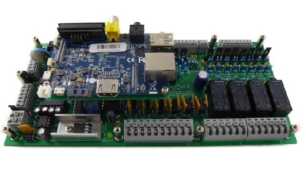 PiXtend wurde für das Raspberry Pi-Modell B entwickelt. Ein Adapter ermöglicht alternativ die Montage von Raspberry Pi B+ oder Banana Pi.