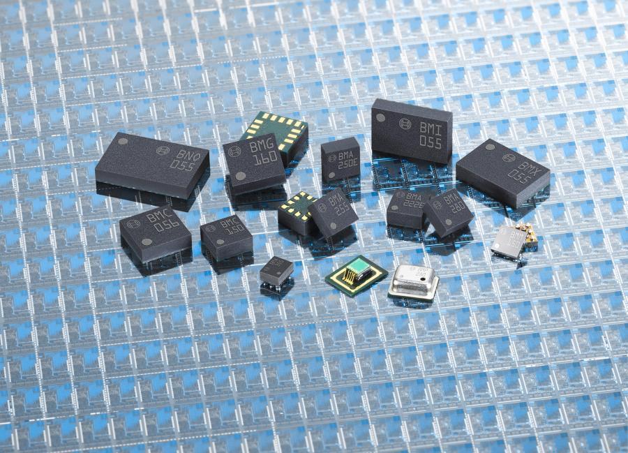 MEMS-Sensoren für die Konsumelektronik von Bosch: Bosch Sensortec entwickelt und vermarktet mikromechanische Sensoren für die Bereiche Konsumelektronik, Mobiltelefonie, Sicherheitssysteme, Industrietechnik und Logistik. Zum Produktportfolio zählen dreiachsige geomagnetische Sensoren, dreiachsige Beschleunigungs- und Drehratensensoren, barometrische Drucksensoren und ein umfassendes Softwareportfolio für diverse Anwendungen.