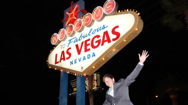 Informationen aus erster Hand: Die Elektronik automotive und elektroniknet.de waren zur CES im fabelhaften Las Vegas (rechts Martin Sporn, elektroniknet).