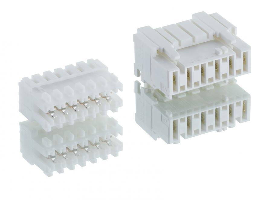 RAST-Steckverbinder im Größenvergleich: RAST 2.5 (links) und RAST 5, jeweils sechspolig