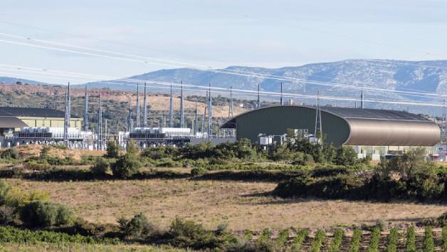 Konverterhalle der Stromrichterstation Baixas auf der französischen Seite der HGÜ-Verbindung zwischen Frankreich und Spanien