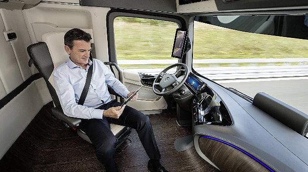 mercedes-benz future truck: 449 ps - selbstfahrend | markt&technik