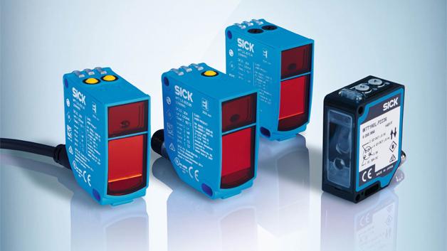 Die neue MultiTask-Lichtschranke PowerProx von SICK hat Reichweiten von 5 cm bis 3,8 m. Mit PowerProx lassen sich auch schnell beförderte Objekte, kleine und flache Objekte, tiefschwarze und glänzende Objekte bei hoher Reichweite sicher detektieren. Die Lichtschranke liefert auch unter einem großen Erfassungswinkel stabile Detektionsergebnisse und ist gegenüber Fremdlicht unempfindlich. In einem kleinen Gehäuse vereinen PowerProx MultiTask-Lichtschranken Lichtlaufzeittechnologie, Augensicherheit dank Laserklasse 1, eine hervorragende Optik und eine schnelle Signalverarbeitung. Die Einstellung der MultiTask-Lichtschranken erfolgt über Potentiometer oder Teach-in-Taste. Je nach Anwendung gibt es Versionen mit ein oder zwei getrennt voneinander einstellbaren Schaltschwellen. Über IO-Link lassen sich bis zu acht Schaltpunkte definieren und die Smart-Sensor-Funktionen nutzen. Das VISTAL -Gehäuse sorgt für die notwendige Robustheit.