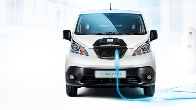 Der Elektrotransporter eNV200 lässt sich an einer CHAdeMO-Schnellladestation innerhalb von 30 min zu 80 Prozent laden.