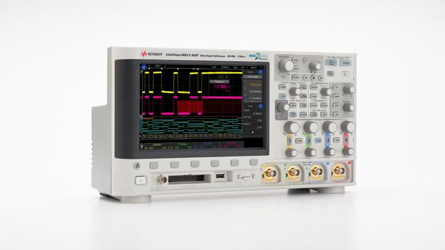 Kennziffer 000: Bei den Digital- und Mixed-Signal-Oszilloskopen der InfiniiVision 3000T X-Serie wird ein kapazitiver Touchscreen zur Bedienung eingesetzt. Dadurch wird unter anderem grafische Zonentriggerung möglich. Die Serie umfasst Modelle mit Bandbreiten von 100 MHz bis 1,0 GHz. Neben den Oszilloskop-Funktionen enthalten alle Modelle Protokollanalysator, Digitalvoltmeter, Arbiträrsignalgenerator und Frequenz-/Ereigniszähler. Auch bieten sie eine zeittorgesteuerte FFT-Funktion für korrelierte Frequenz- und Zeitbereichmessungen.