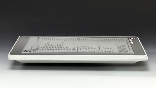 Das E-Ink-Display deZign von Dresden Elektronik sieht echtem Papier zum Verwechseln ähnlich. Konzipiert für den öffentlichen Bereich, ist es für Temperaturen von –20 bis +50°C spezifiziert und ist dank stabilem Gehäuse aus Stahl oder Kunststoff weitgehend sicher gegen Vandalismus
