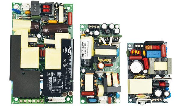 Die Serie (M)WLP120 von EOS Power misst 2 × 3 × 1,18in³ und liefert konvektionsgekühlt 100W, mit forcierter Luftkühlung 120W Ausgangsleistung. Die Leistungsaufnahme im Leerlauf liegt unter 0,3W; die mittlere Lebensdauer wird mit über drei Mio. Stunden angegeben. Ein Anlauf bei –40°C wird garntiert. Die Geräte sind nach Schutzgrad Typ BF (Body Float) für medizinische Anwendungen ausgeführt. Optional ist auch KlasseII für medizinische Geräte realisierbar.