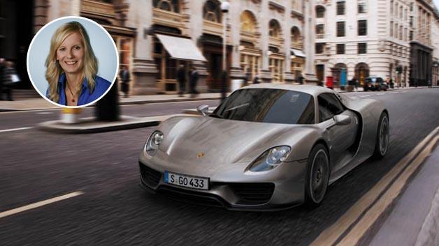 Stefanie Eckardt - Porsche Spyder 918:  Ich wünsche mir nur eine Kleinigkeit unterm Weihnachtsbaum. :) Bildquelle: Porsche