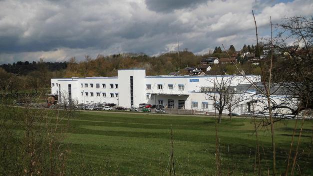 Standort des Lager- und Logistikzentrums ist Eisingen in Baden-Württemberg, nur wenige Kilometer vom Headquarter in Pforzheim entfernt.