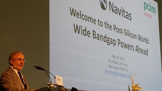 Prof. Leo Lorenz kündigt die erste Keynote der pcim Europe 2016 an: Dan Kinzer von Navitas referierte über die Post-Silicon World.