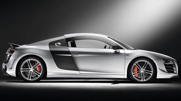 Baba Österreich! Für David Alaba ist die EM schon wieder vorbei. Bleibt mehr Zeit für Spritztouren im Audi R8 GT.