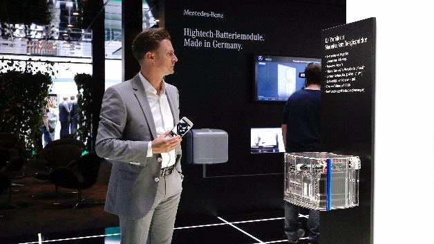 Nicht nur Tesla ist am Energiespeicher-Markt interessiert, auch andere Automobilhersteller, wie hier Mercedes-Benz hat diesen Sparte für sich entdeckt.