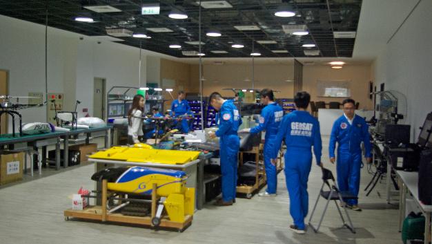 Alle Produkte werden in dieser Halle in Taichung hergestellt, zum Beispiel auch der Hexcopter: