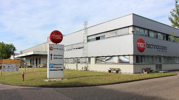 Der Fertigungsstandort Freiburg hat eine lange Tradition. Gegen Ende des 19. Jahrhunderts wurden erste Elektrokardiographen dort gefertigt. Nach mehreren Betriebsübergängen, in deren Verlauf auch General Electric beteiligt war, landete die Fertigung bei MSC.