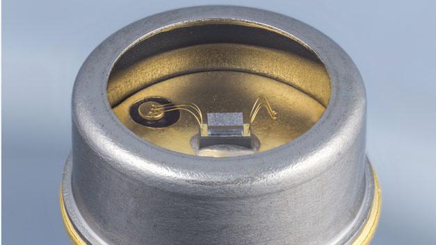 UV-LEDs sind alternative Emissionsquellen für Licht mit einer Wellenlänge zwischen 100 und 380 nm, das konventionell mit quecksilberbasierten Strahlern erzeugt wird. Diese UV-Photodiode für den UVC-Bereich (100 - 280 nm) ist für die Wasserdesinfektion geeignet.