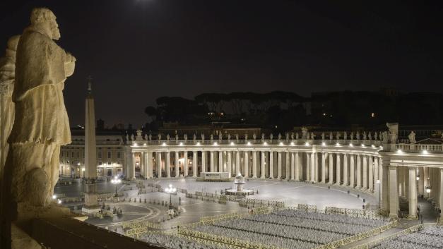 Der Petersplatz vor dem Petersdom hat eine Fläche von rund 48.000 m².