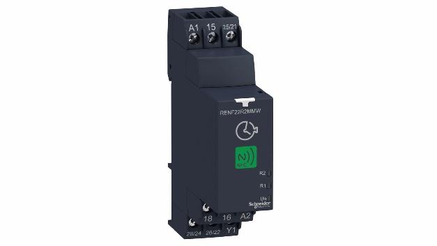 Das NFC-Zeitrelais RS540 von Schneider Electricermöglicht die Steuerung und Überwachung eines Zeitrelais über NFC per Smartphone oder Tablet.