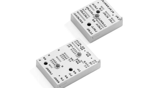 Vincotech hat eine neue MiniSKiiP-Produktlinie angekündigt. Die MiniSKiiP-PACK-2- und MiniSKiiP-PACK-3-Module in Sixpack-Topologie sind für bis zu 200 A ausgelegt. Ausgestattet sind die 1200-V-Module mit den aktuellen Chips der 7. Generation von Mitsubishi.