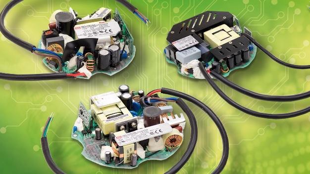 Speziell für den Einsatz in LED-Hallenbeleuchtungen hat Mean Well (Vertrieb: Emtron) die runden Stromversorgungen des Typs HBG entwickelt. In ihrer offenen Versionen (HBG-P) eignen sich die kreisförmigen Platinen zum direkten Einbau in den Leuchtkörper. Auf diese Weise lassen sich sehr kompakte und effiziente Strahlerlösungen realisieren. Neben einer 60-W-Variante bietet Mean Well nun auch Modelle mit Ausgangsleistungen von 100, 160 und 240 W an. Die Abmessungen (Durchmesser x Bauhöhe): 100 W: 104 x 34 mm; 160 W: 124,6 x 34 mm; 240 W: 144 x 31 mm. Alle Varianten arbeiten mit einem Wirkungsgrad von bis zu 93,5 Prozent und bieten auf Wunsch eine 3-in-1-Dimmfunktion. Auf der Eingangsseite arbeiten die Netzteile mit 90 bis 305 VAC. Sie sind mit aktiver Leistungsfaktor-Korrektur ausgestattet. Zur Standardausstattung zählen Sicherungen gegen Kurzschluss, Überstrom, Überspannung und Übertemperatur.