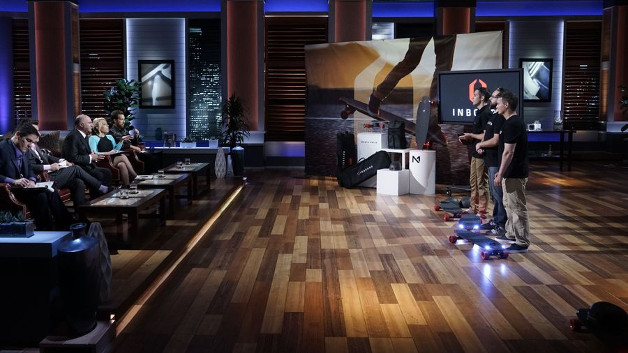 Beim Auftritt in der TV-Sendung Shark Tank hat das Team von Inboard Technology  ihre Boards sowie das Geschäftskonzept präsentiert.