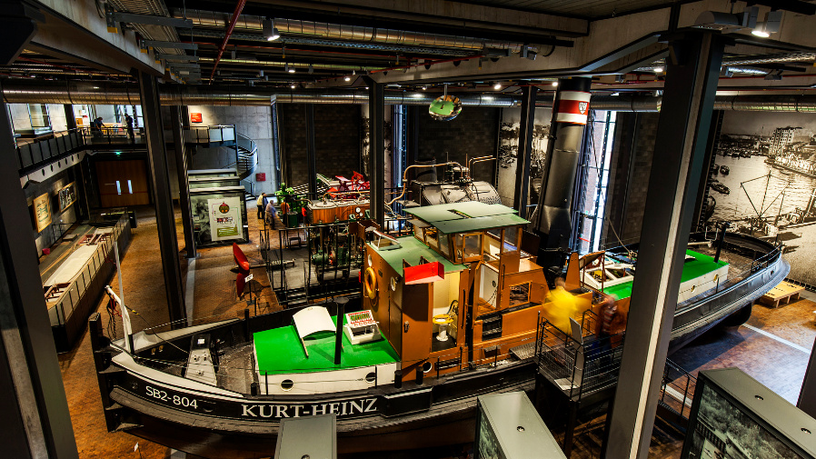 Neu gestaltete Ausleuchtung des Berliner Technikmuseums.