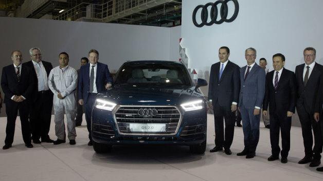 Der Audi Q5 auf der Bühne während der Einweihungsfeier im Audi-Werk in San José Chiapa.