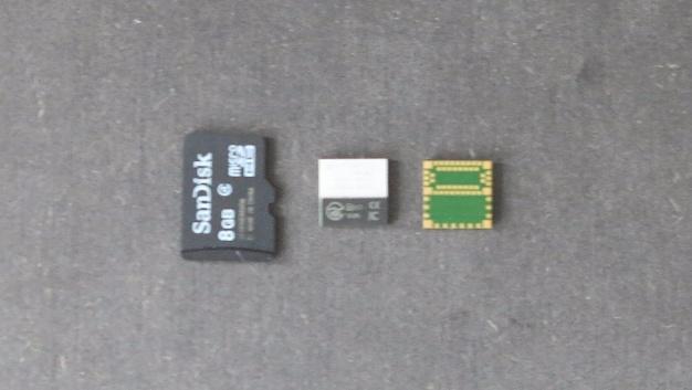 Mit 8 mm x 8 mm x 1 mm Formfaktor ist das ISP1507 kompakter als eine MikroSD-Karte.