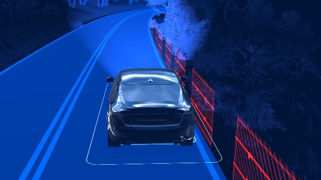 Das Run-off-Road-Sicherheitssystem sorgt dafür, dass der Fahrer nicht von der Fahrbahn abkommt.